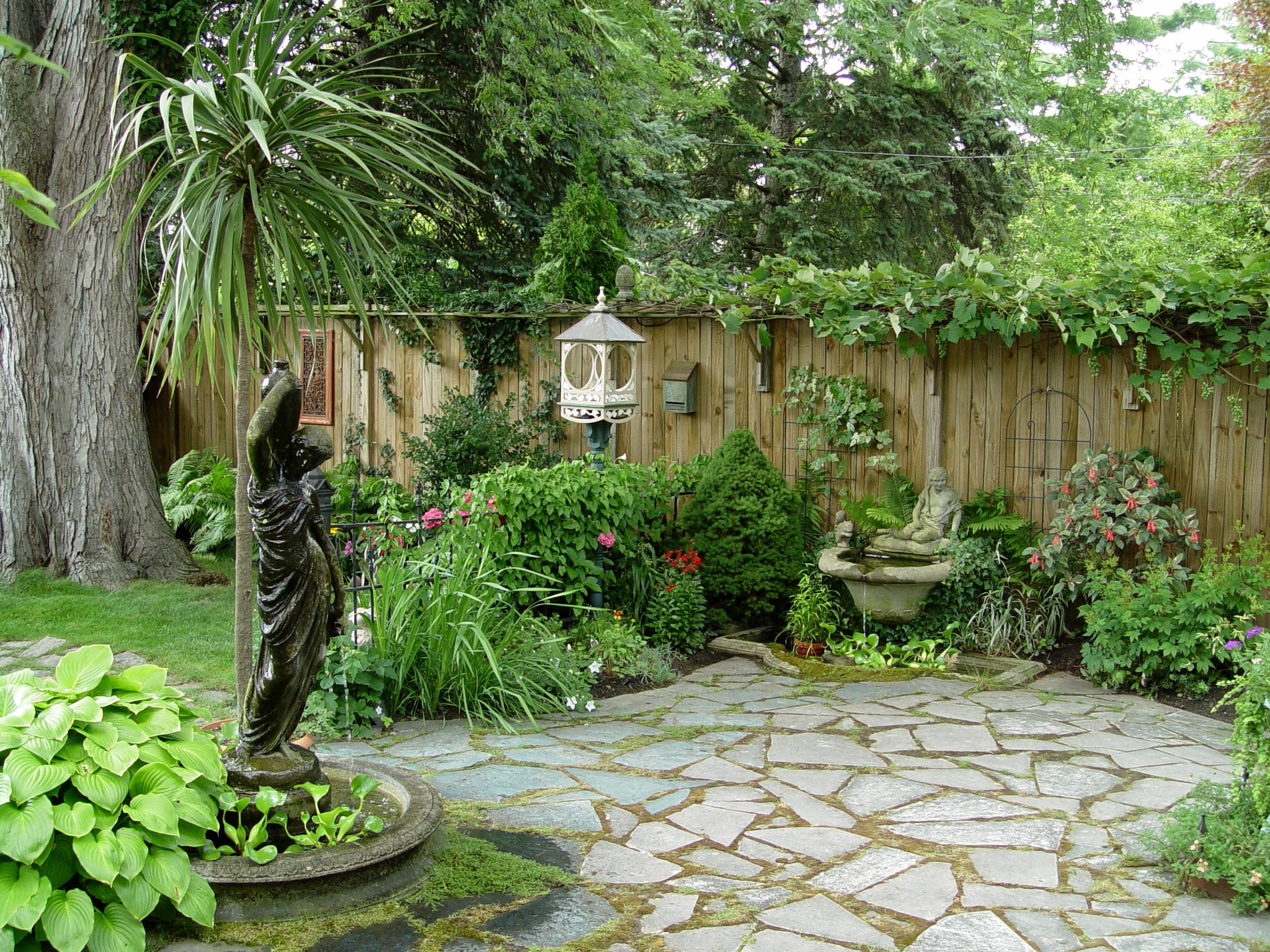 Images of beautiful backyards joy studio design gallery for Small patio landscaping