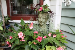 A few well placed focal points add that nice finishing touch to a garden.