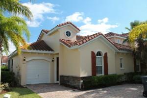 Here's the front of Erin's 3-bedroom villa.
